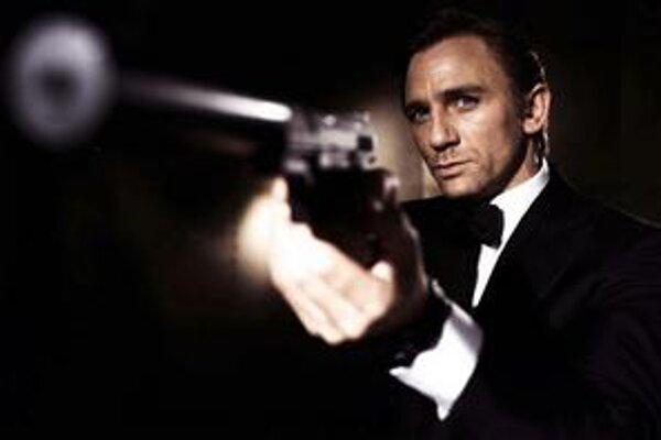 Rok 2006 ako z Jamesa Bonda. Najskôr nachytali britských špiónov v Moskve s ich kameňoma potom niekto zavraždil Litvinenka rádioaktívnym polóniom v Londýne.