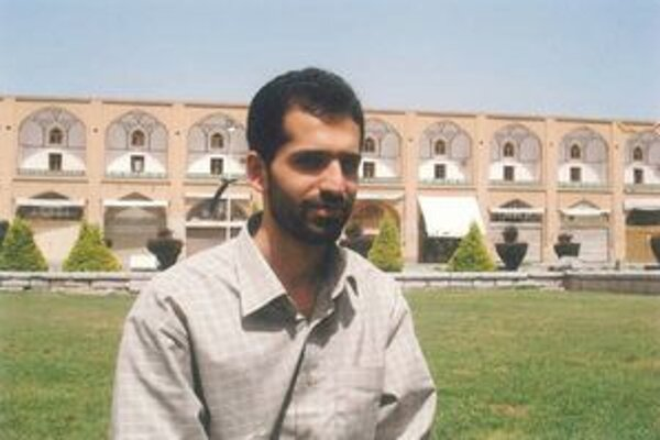 Mustafa Ahmadí Rošan.