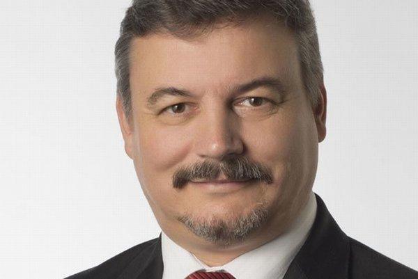 Vo voľbách do VÚC 2013 kandidoval na post župana Trnavského samosprávneho kraja askončil vnich na druhom mieste.