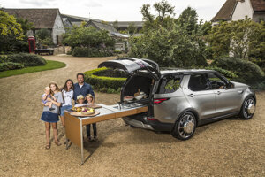 Rodina Jamieho Olivera s novým kuchárskym Discovery.