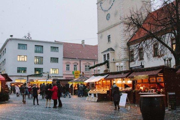 Trhy na Trojičnom námestí.