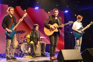 Víťazom 33. ročníka súťaže je mladík zo Spišskej Novej Vsi Adrián Ondov (pri mikrofóne).