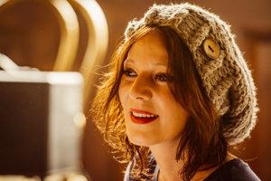 V ponelok o 18.00 hod. sa v Literárnej kaviarni Viola predstaví známa speváčka Szidi Tobias.