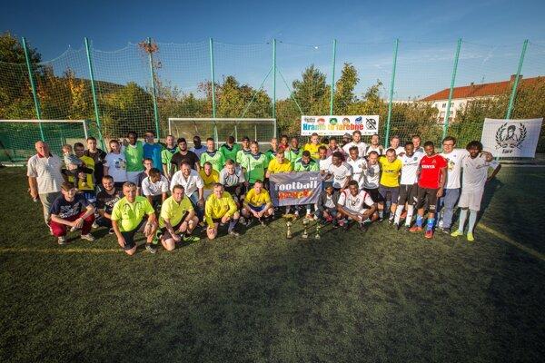 Spoločná fotografia účastníkov turnaja.