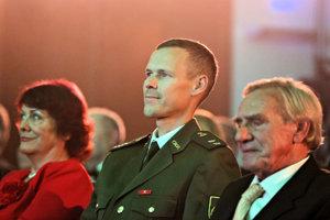 Matej Tóth (v strede).