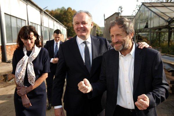 Prezident Kiska s farárom Gombitom.
