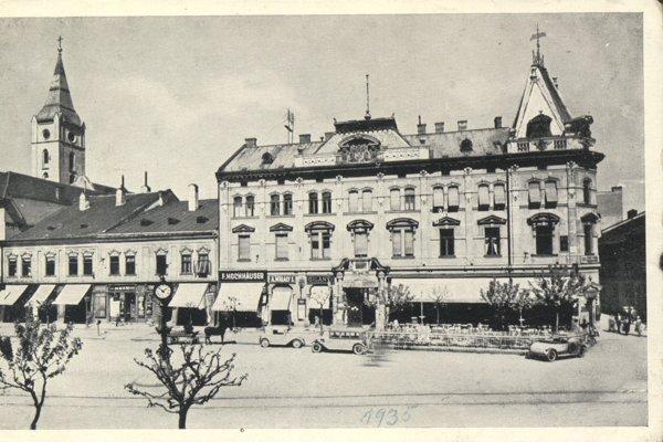 Andrássyho palác s kaviarňou Astória.