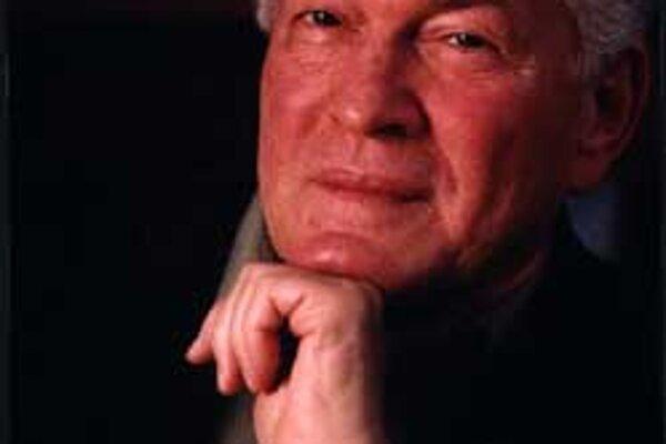 Gene Sharp vydal manuál so 198 spôsobmi nenásilného protestu. Inšpiroval disidentov po celom svete.