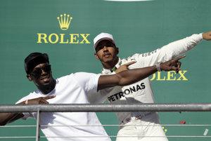 Lewis Hamilton na smrť vystrašil Usaina Bolta.