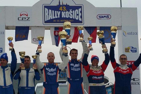 vstrede víťazi 43. Rally Košice Martin Koči s Filipom Schovánkom.