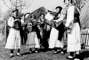 Ďatelinka (1972) Detva-Stavanisko. Zľava: Ján Klimo, Jozef Berky-Hájka, Alexander Ugler, Ondrej Molota, Milan Križo.