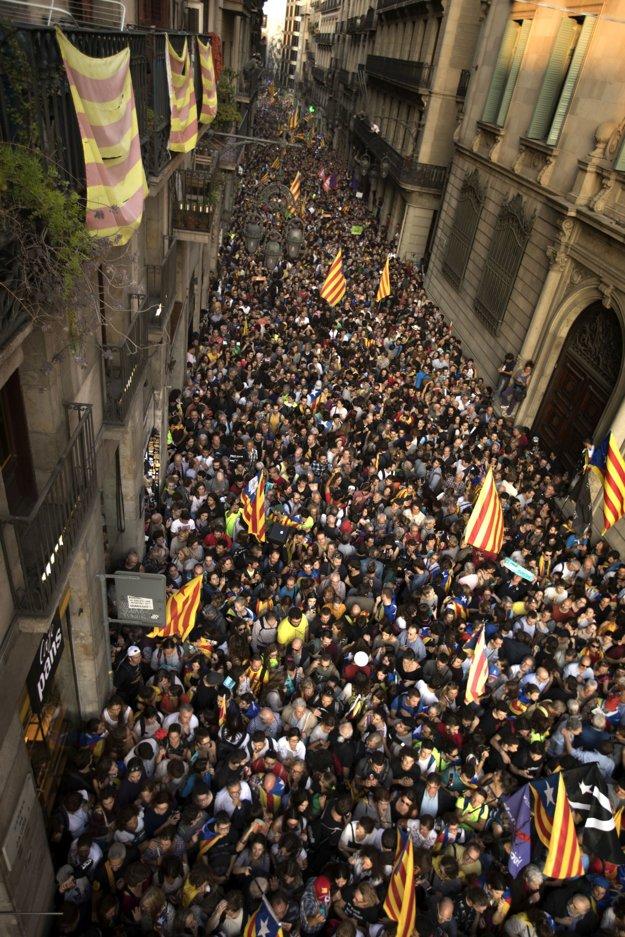 Katalánsko vyhlásilo nezávislosť.