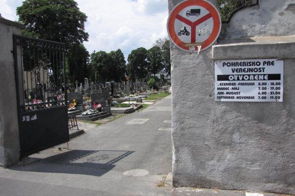 Cintorín na ulici Terézie Vansovej.