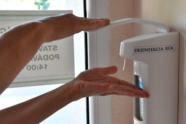 Žltačka sa zvykne nazývať aj choroba špinavých rúk. Je preto potrebné si ich často a dôkladne umývať, radia lekári. Ilustračné foto