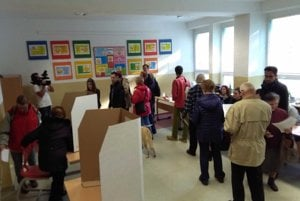 Volebná miestnosť na Spojenej škole v Nitre.