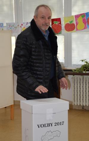 Voliť bol primátor Šale Jozef Belický.
