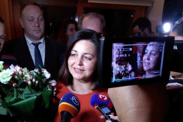 Erika Jurinová po príchode do centrály oznámila, že po jej zvolení za županku sa vzdá postu poslankyne parlamentu.