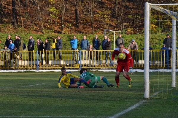 Druhý gól Lipian. Strelil ho Vitovič.