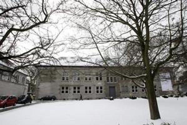 Canisius-Kolleg bola do kauzy vyhľadávanou školou.