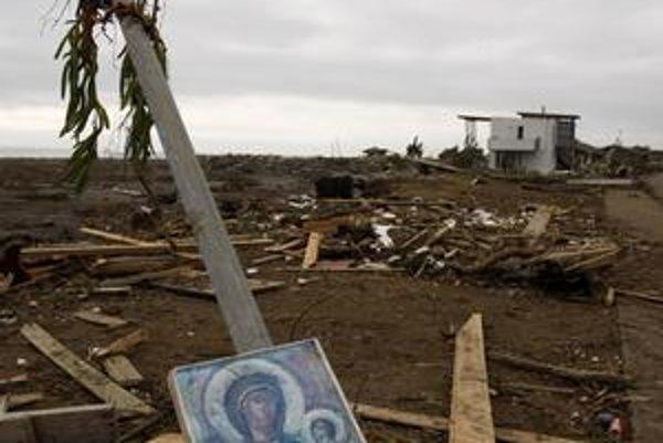 Cunami úplne zničilo niektoré dedíny na pobreží.