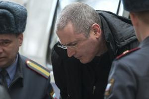Michail Chodorkovskij si na Sibíri odpykáva osemročný trest za údajné neplatenie daní. V Moskve však už prebieha druhý proces, v ktorom mu hrozí predĺženie väzenia.
