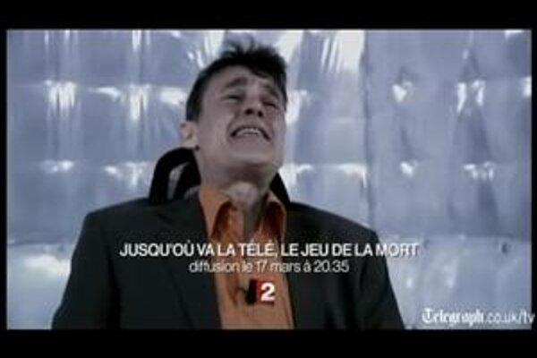 JeanPaul, obeť programu, bol v skutočnosti len herec. To však súťažiaci nevedeli a dávali mu silné elektrické šoky.