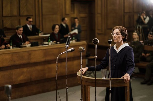 Milada Horáková vo filme - na monster procese.