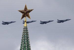 Kremeľské veže zdobia už osemdesiat rokov červené hviezdy.