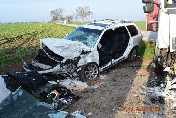 Vodič Volva utrpel ťažké zranenia.
