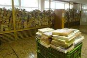 Oddelenie beletrie Tekovskej knižnice sa minulý týždeň balilo.
