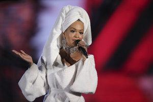Rita Ora moderovala MTV EMA 2017.