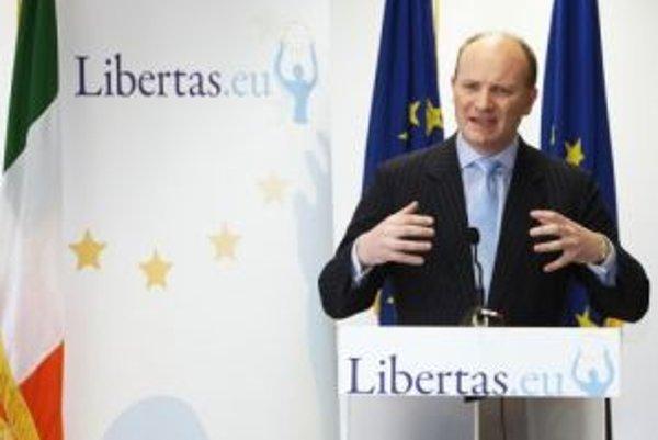 Stranu írskeho milionára Decana Ganleyho odobrili europoslanci.
