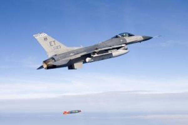 Stíhačka F16