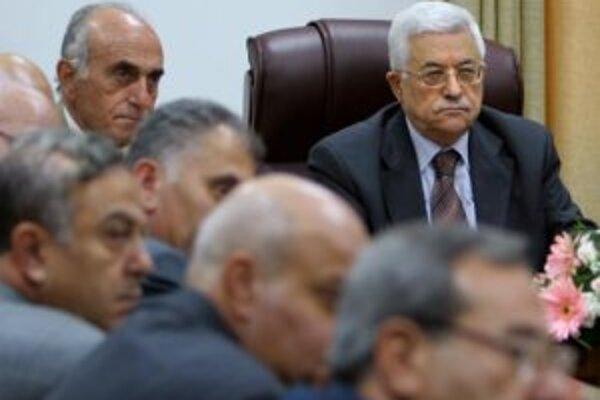 Palestínsky prezident Mahmúd Abbás (vpravo).