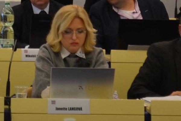 Janette Langová.  Bude prvou riaditeľkou združenia.