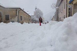Sneh na pešej zóne v Kremnici.