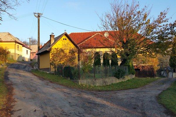 Poproč je najmenšou obcou v Banskobystrickom kraji.