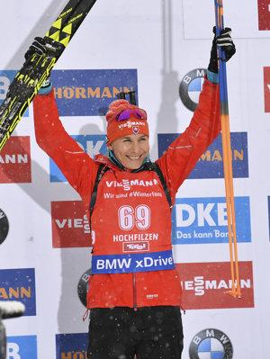 Anastasia Kuzminová sa raduje z druhého miesta.