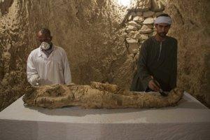 Jedna z múmií, ktoré archeológovia objavili pri vykopávkach.