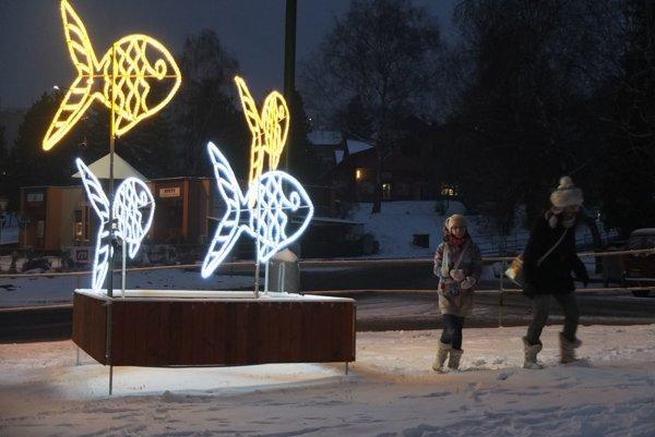 Vianočné kapry na Križovatke v Banskej Štiavnici.