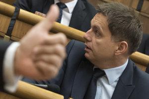 Parlament schválil zákon roka, teda návrh štátneho rozpočtu na budúci rok. Zahlasovalo zaň 82 poslancov, proti prijatiu bolo 59 poslancov.