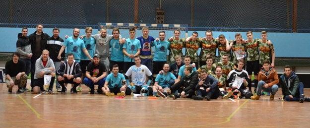 Turnaja sa zúčastnili desiatky kvalitných florbalistov.