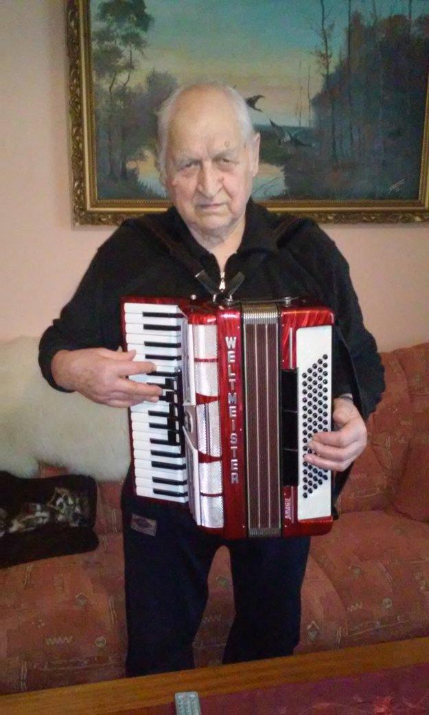 Kedy hrával v kapele na harmonike.
