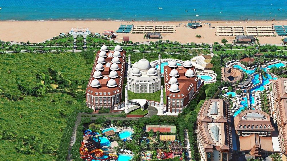HotelRoyal Taj Mahal 5*