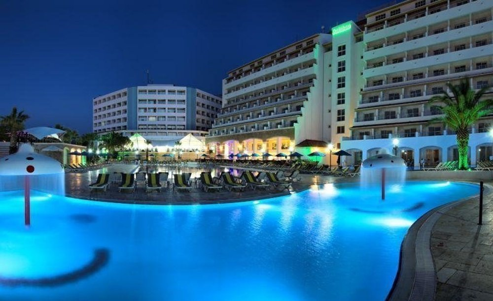 Batihan Beach Resort 4*