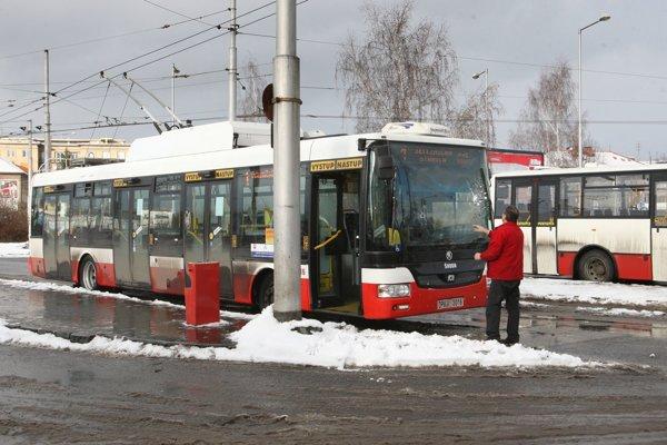 Klasické trolejbusy by mohli na niektorých linkách nahradiť duobusy.