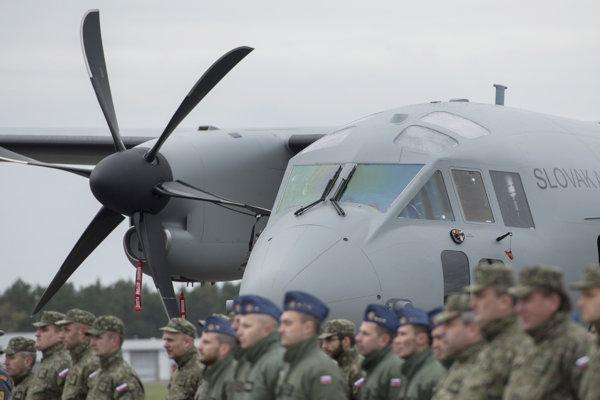 Vzdušné sily Ozbrojených síl SR si v utorok 31. októbra 2017 v priestoroch dopravného krídla Generála M.R. Štefánika v Kuchyni slávnostne prevzali do užívania nové viacúčelové transportné lietadlo C-27J Spartan.