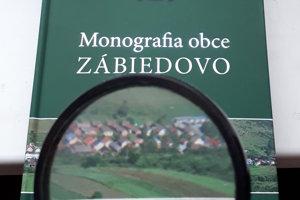 Prvá monografia obce.