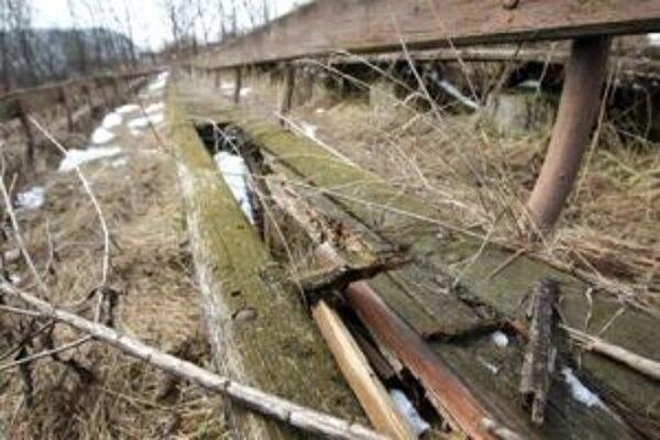 Zvyšky amfiteátra sa rozpadajú.