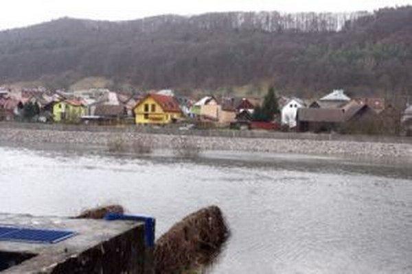 Jedným z dôvodov nespokojnosti Šalkovčanov je malá vodná elektráreň